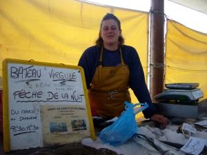 """La Pêche de nuit du bateau """"Virgule"""" en vente directe sous la halle aux poissons, 27 juin 2009"""
