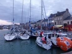 Crédit-Photo : Les Filles du Bord de Mer - Coupe de voile de Normandie 2013 - Port en Bessin, 9 mai 2013