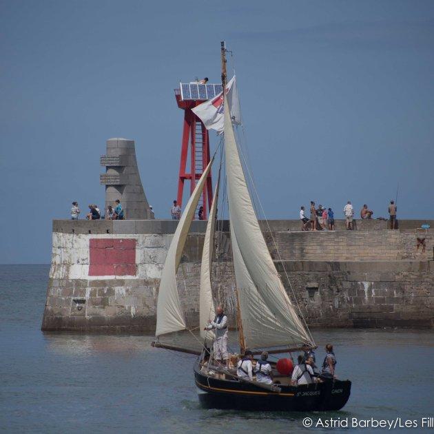 Le Saint Jacques dans l'avant-port